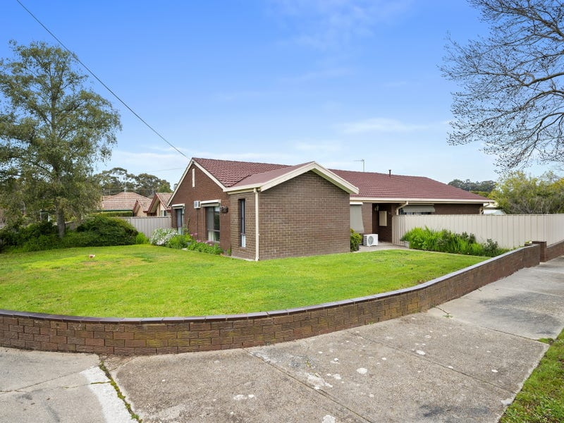 11 Webb Avenue, Seymour, Vic 3660