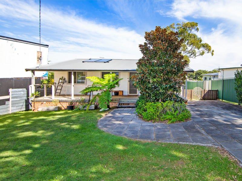12 Coonanga Ave, Budgewoi, NSW 2262