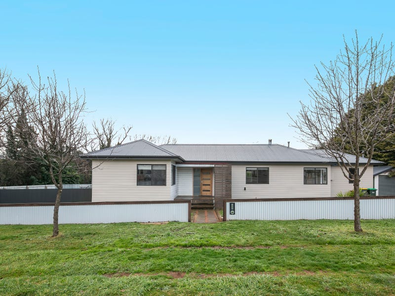 2 Findhorn Street, Crookwell, NSW 2583