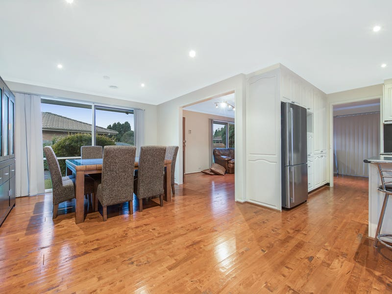 154 Waradgery Drive, Rowville, Vic 3178