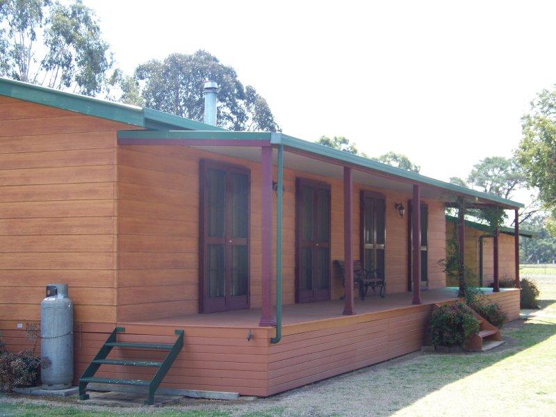 4 Castlereagh Street, Binnaway, NSW 2395