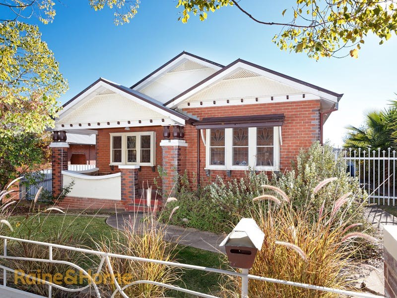 34 GRANDVIEW AVENUE, Turvey Park, NSW 2650