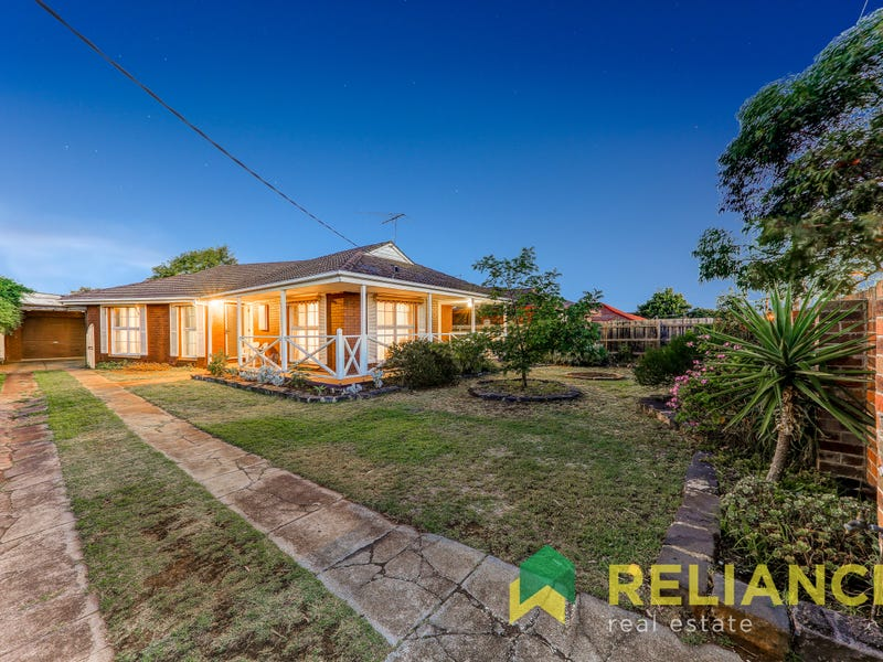 96 Station Road, Melton South, Vic 3338