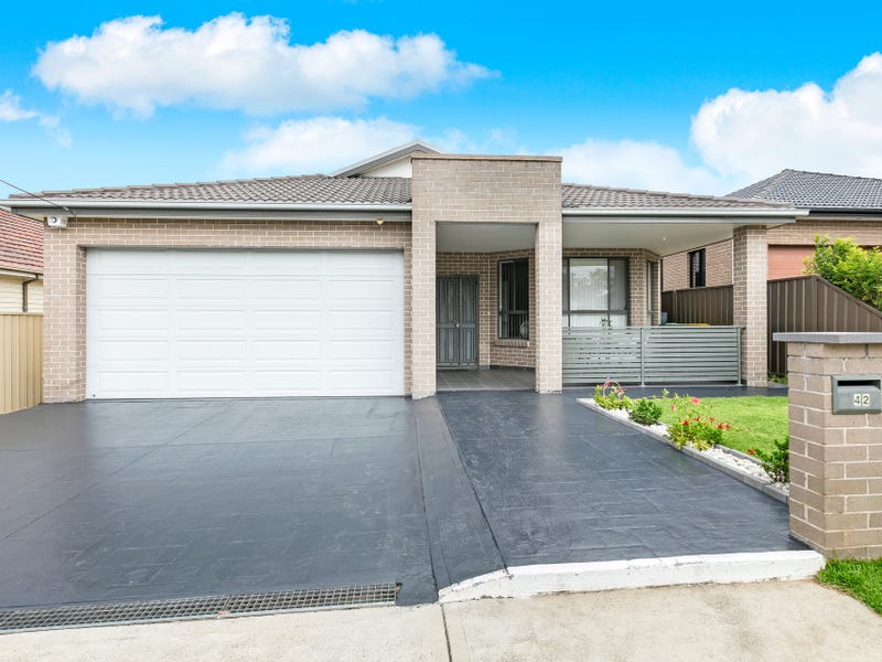 42 Tennyson Road, Greenacre, NSW 2190