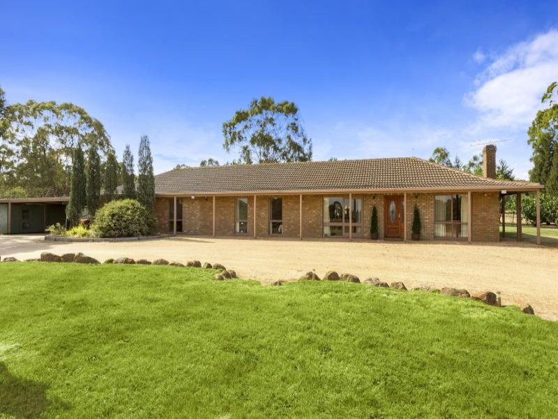 10 Woodside Court, Eden Park, Vic 3757