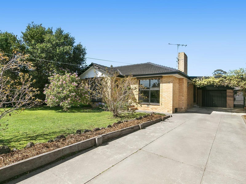 6 Esther Crescent, Mooroolbark, Vic 3138