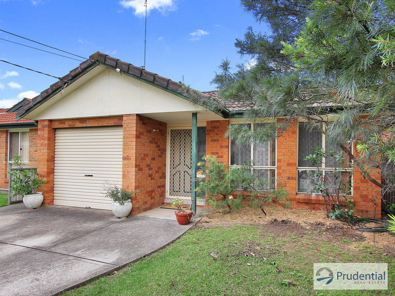 122B Renton Ave, Moorebank, NSW 2170