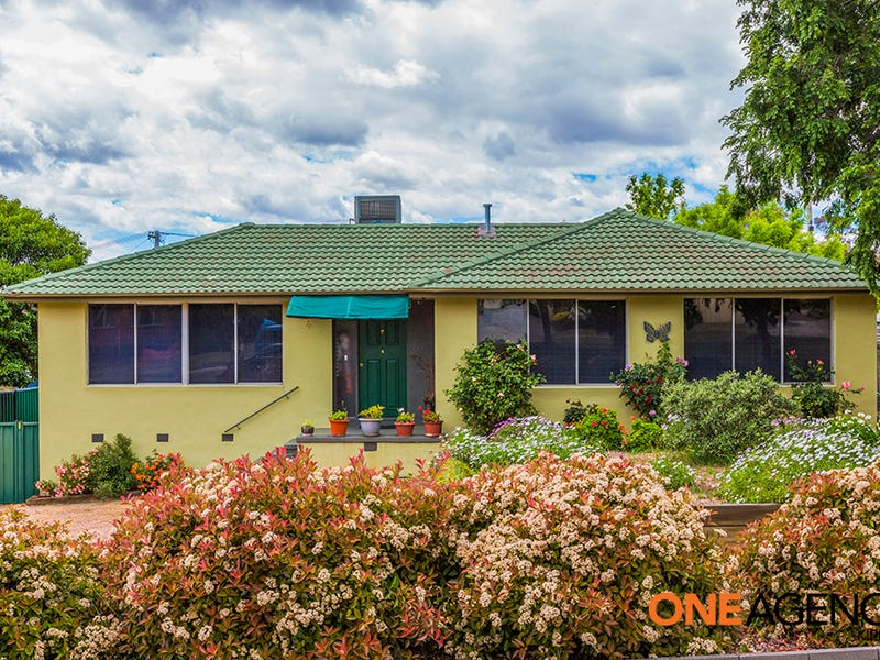 4 Macnaughton Street, Higgins, ACT 2615