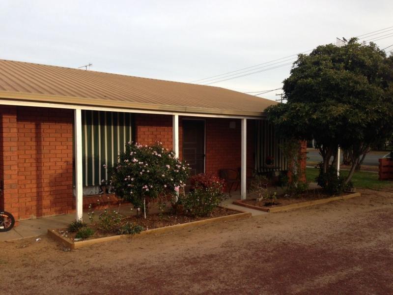 Unit 1/425 Harfluer Street, Deniliquin, NSW 2710