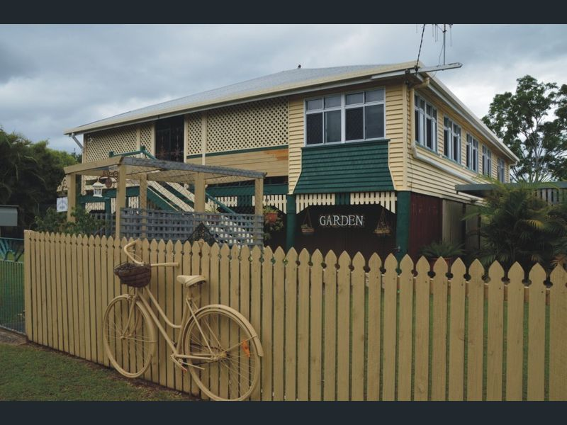 33-35 Whitley St, Howard, Qld 4659