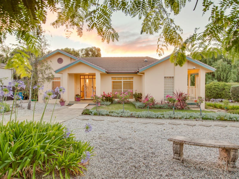 29 Lakehaven Drive, Lake Albert, NSW 2650