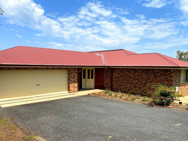 28 Pearson Street, Guyra, NSW 2365