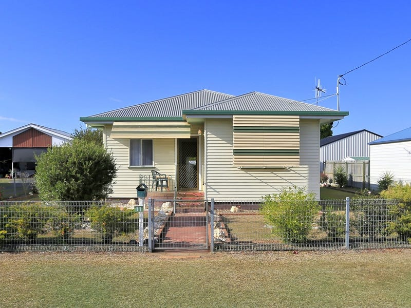 11 Hay Street East, Avenell Heights, Qld 4670