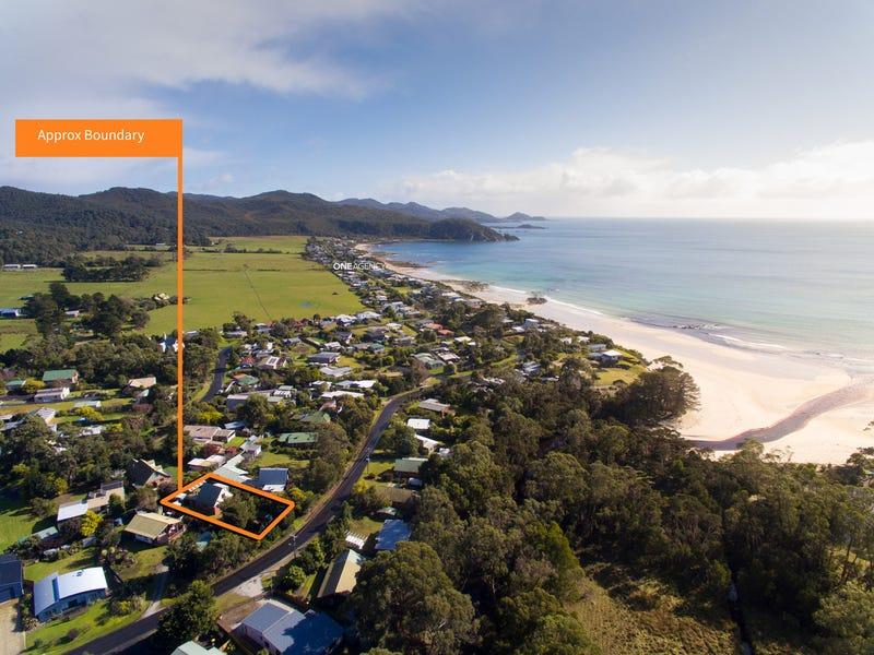 12 Kenelm Avenue, Sisters Beach, Tas 7321