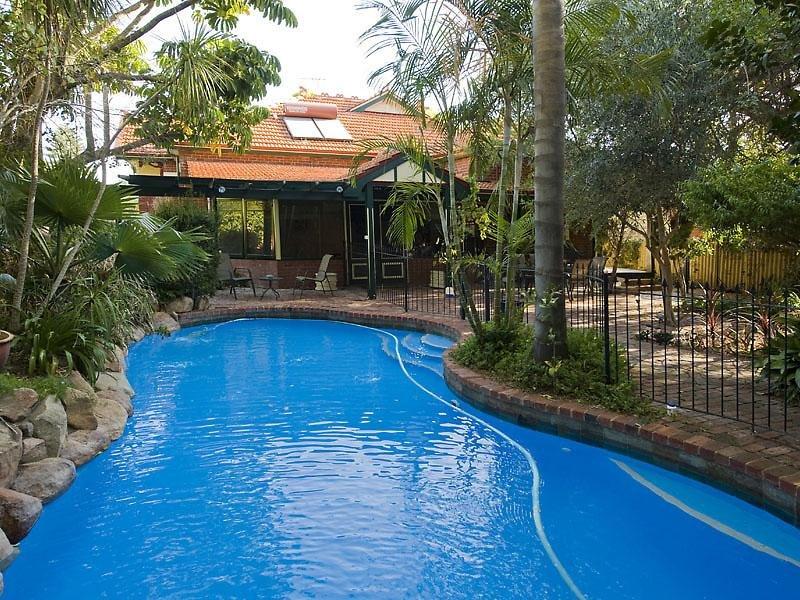 1 Osborne Road, East Fremantle, WA 6158