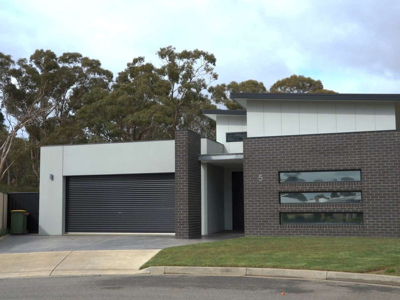 5 Kirwan Close, Mount Clear, Vic 3350