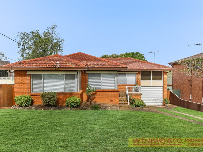 7 Suncroft Ave, Georges Hall, NSW 2198