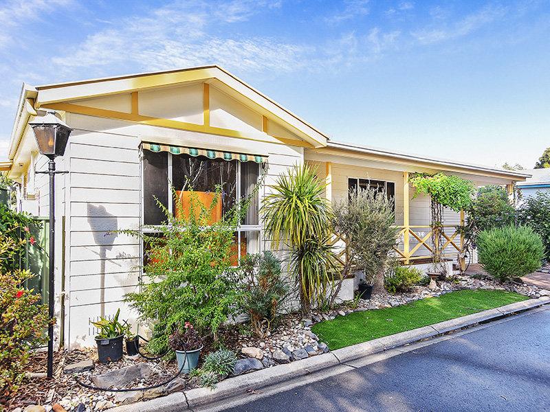 243 Rosetta Village, 1-27 Maude Street, Victor Harbor, SA 5211