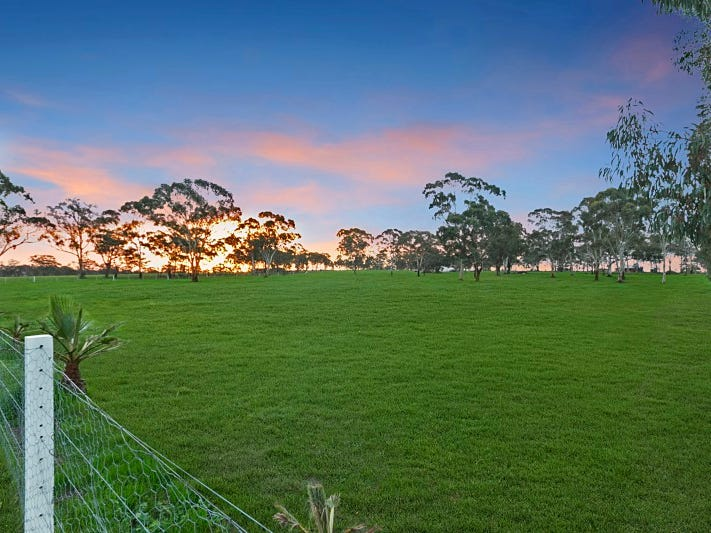 9A Three Chain Road, Sebastian, Vic 3556