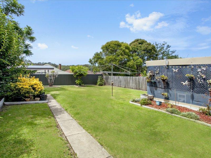 23 Hill Street, Mount Saint Thomas, NSW 2500