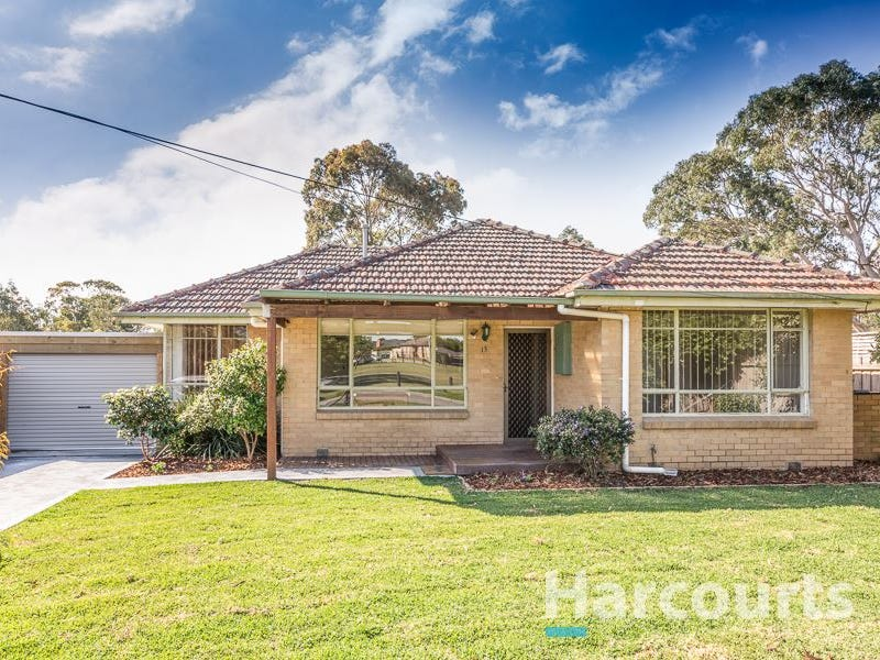 13 Redfern Crescent, Eumemmerring, Vic 3177