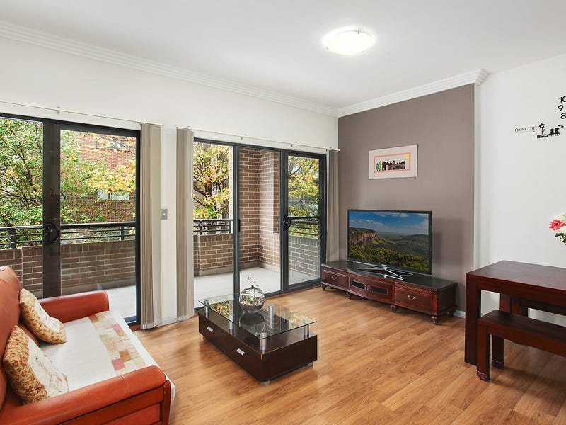 402/3 Clydesdale Place, Pymble, NSW 2073