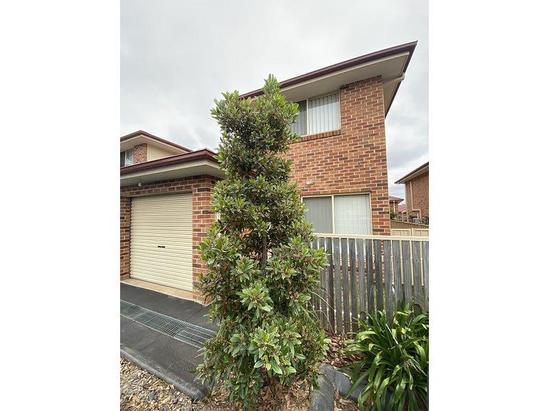 8/4 Feldspar Road, Eagle Vale, NSW 2558
