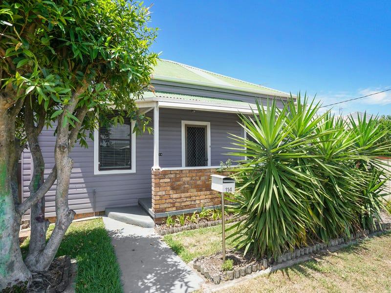 114 Roxburgh Street, Stockton, NSW 2295