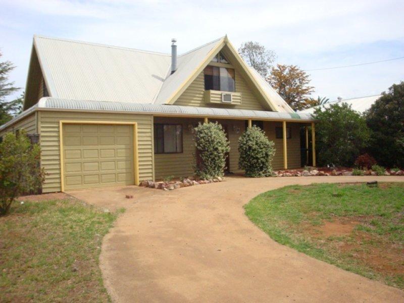 24 Cobbora Street, Dunedoo, NSW 2844