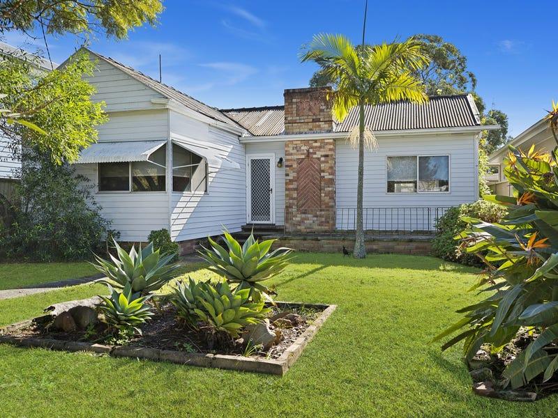 11 Hobart Avenue, Umina Beach, NSW 2257