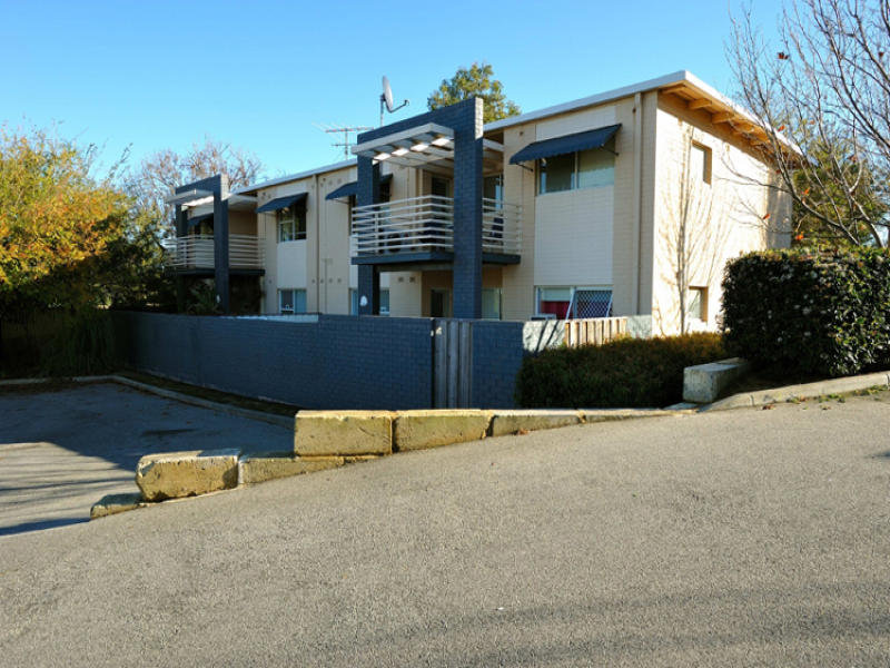 3/9 Beacham Place, Medina, WA 6167