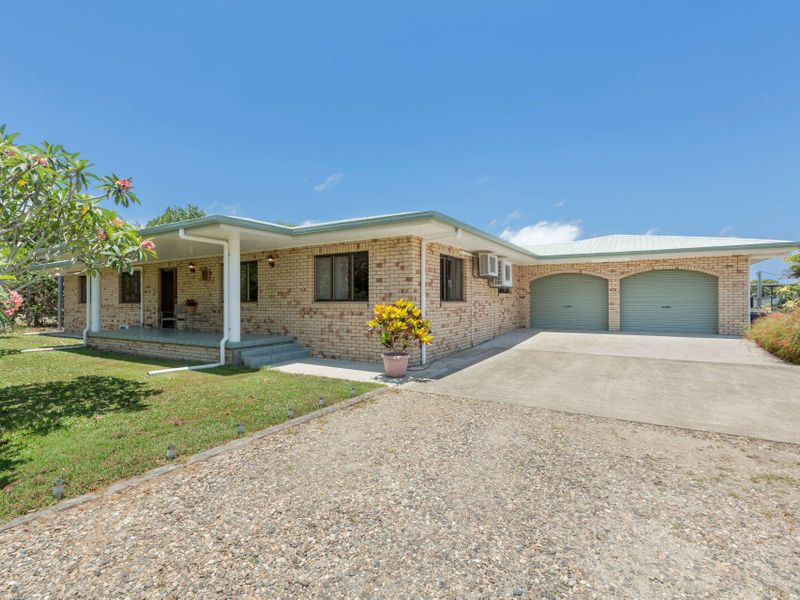 179 Etty Bay Road, Etty Bay, Qld 4858