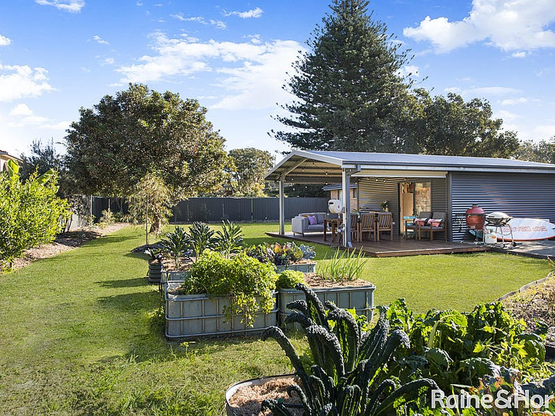 21 Mimosa Road, Budgewoi, NSW 2262