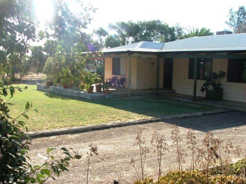 9 Fairfax Dr, Moresby, WA 6530