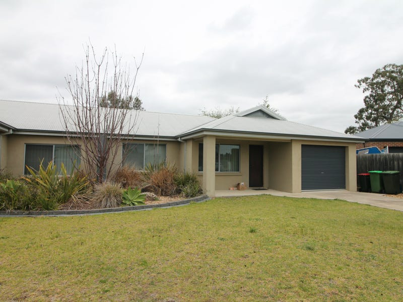 11B Barton Place, Eastwood, Vic 3875