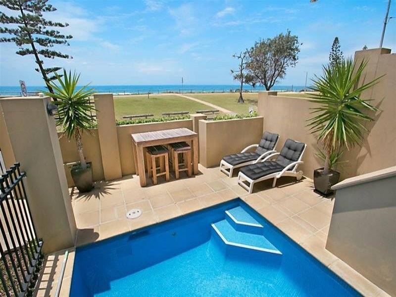 Australia 39 s largest list of properties to buy or rent for 3 drayton terrace mermaid waters