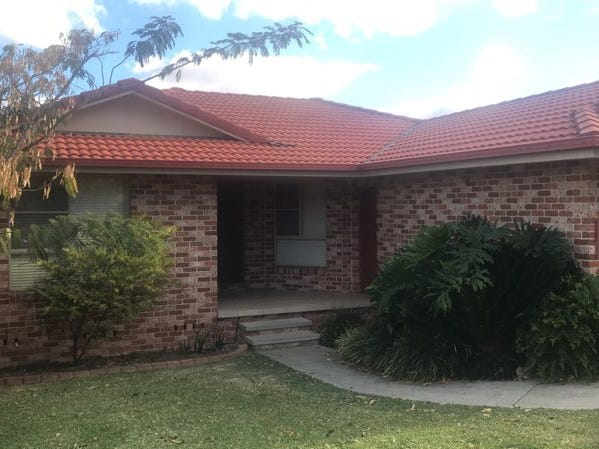 12 Cleary Drive, Tamworth, NSW 2340