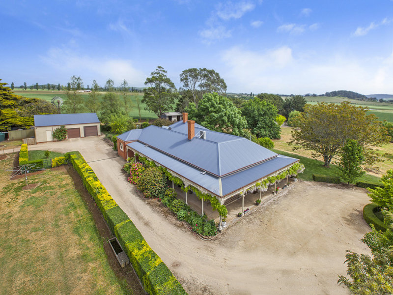 90 Whitehands Road, Learmonth, Vic 3352