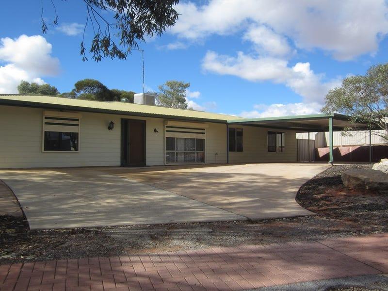 1 Arcoona Street, Roxby Downs, SA 5725