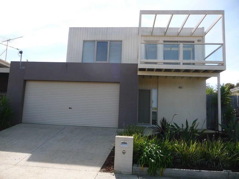 2/1 Foam Court, Torquay, Vic 3228