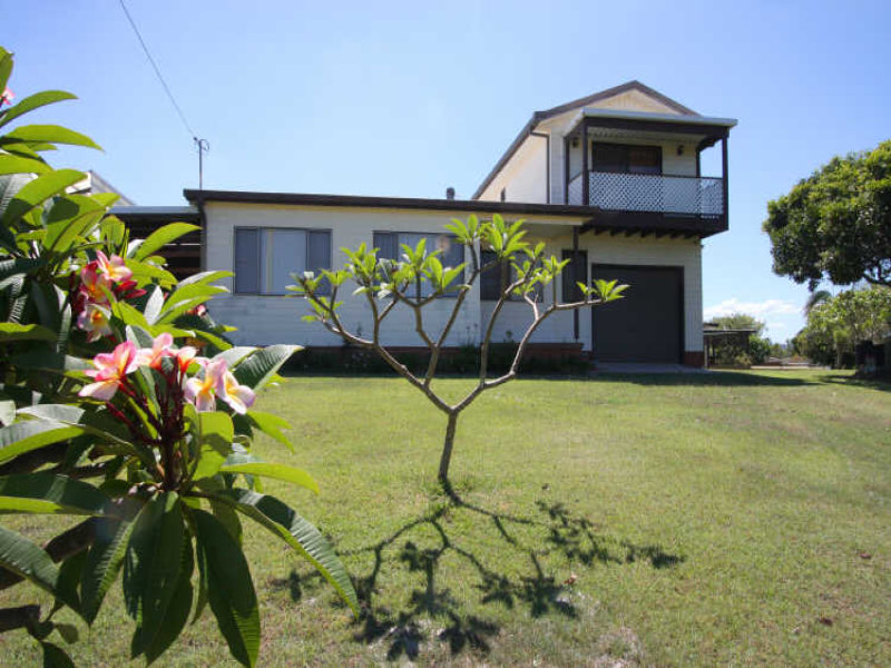 2 Poinsettia Crescent, Brooms Head, NSW 2463