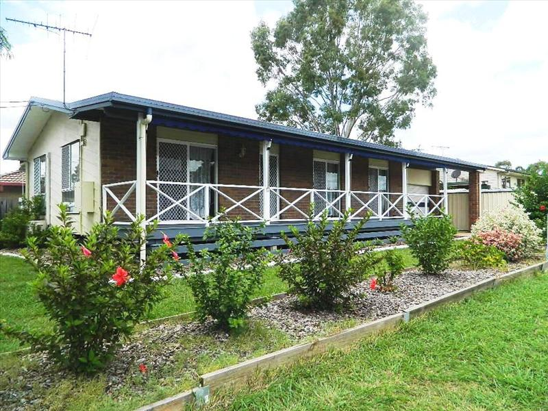 1 Helen St, North Booval, Qld 4304