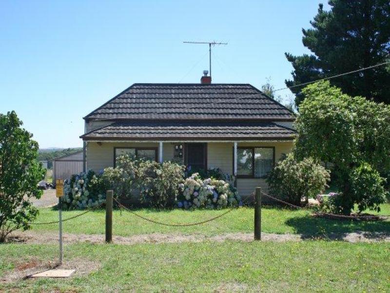513 Dean - Mollongghip Road, Mollongghip, Vic 3352