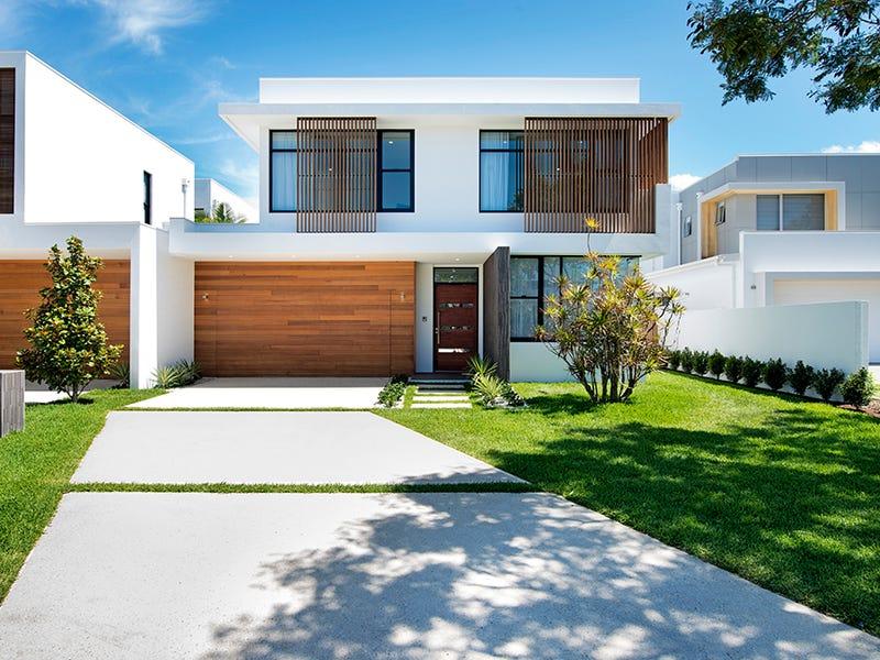 Villa One 5022 Emerald Island Drive, Emerald Lakes, Carrara, Qld