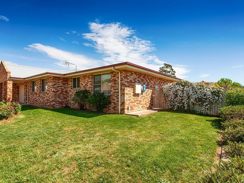 16 Picker Street, Crookwell, NSW 2583