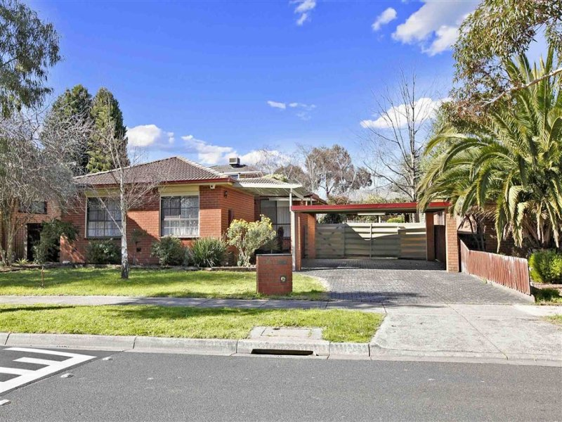 16 Cuthbert Drive, Mill Park, Vic 3082