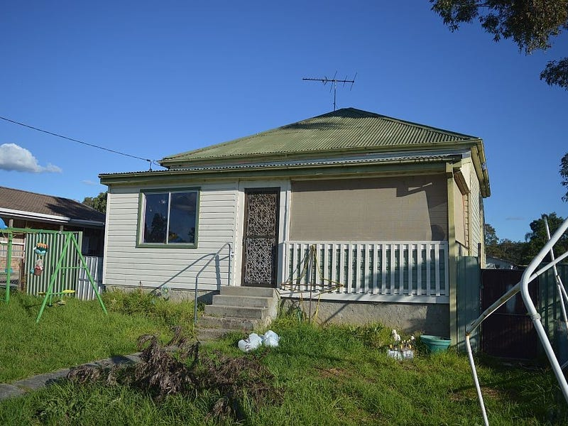 18 Murray Street, Abernethy, NSW 2325