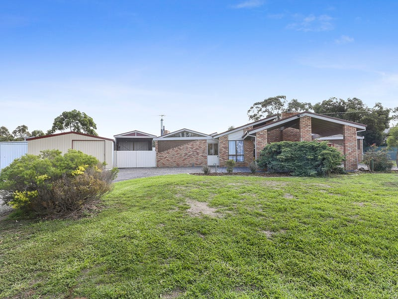 14 McLeans Road, Little River, Vic 3211