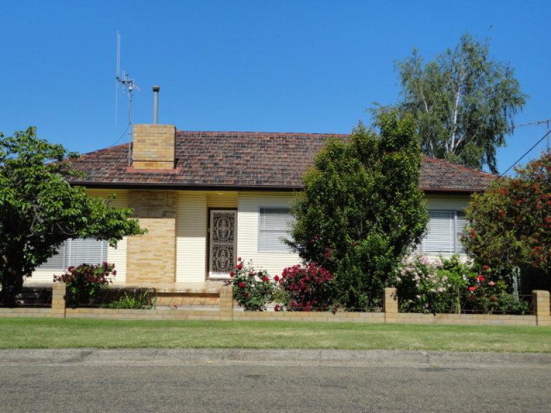 13 AUDUBON CRESCENT, Goulburn, NSW 2580