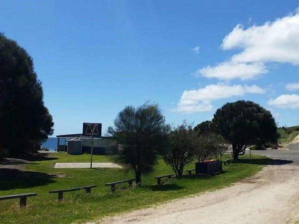 16 The Esplanade, Baudin Beach, SA 5222